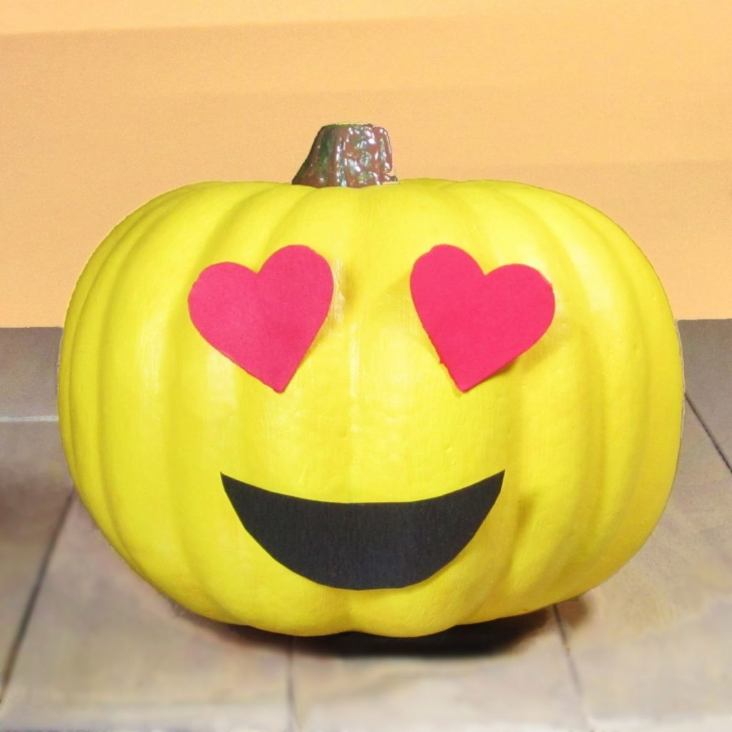 cute Halloween-Carved Pumpkins Photos