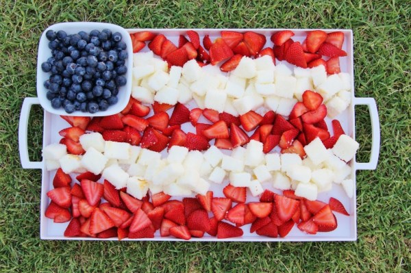 4th of July Berry and Cake Dessert Decoration Ideas